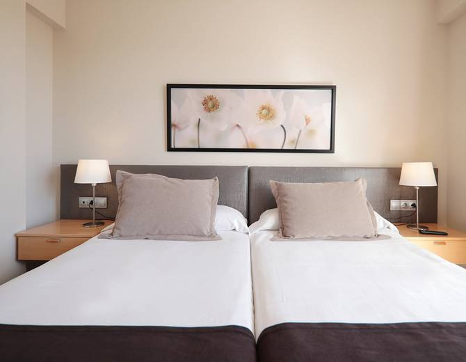 Double room with Terrace Hotel Sercotel Zurbaran Palma